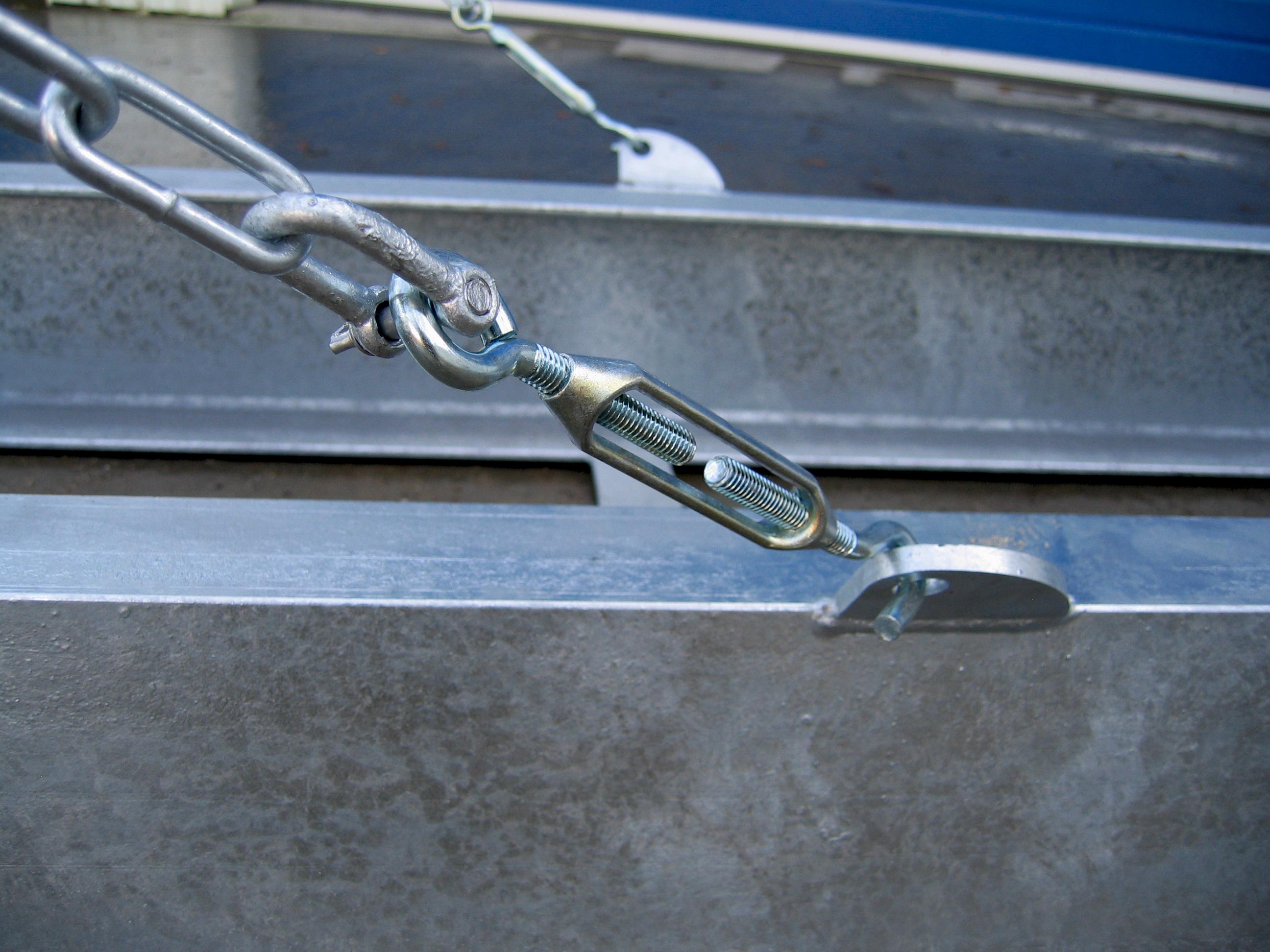 Tilbehør til mobile bådstativer - Kædesikring tæt på