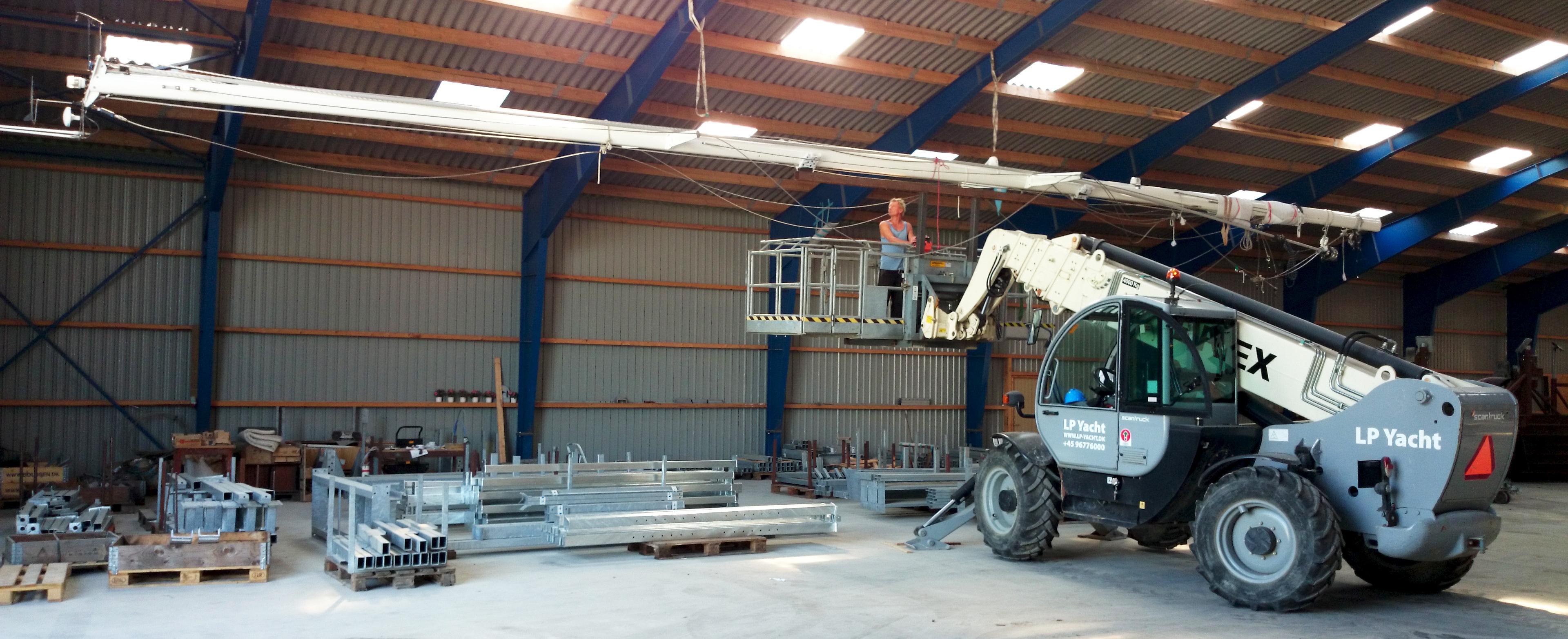 Bådopbevaring og opbevaring af mast indendørs