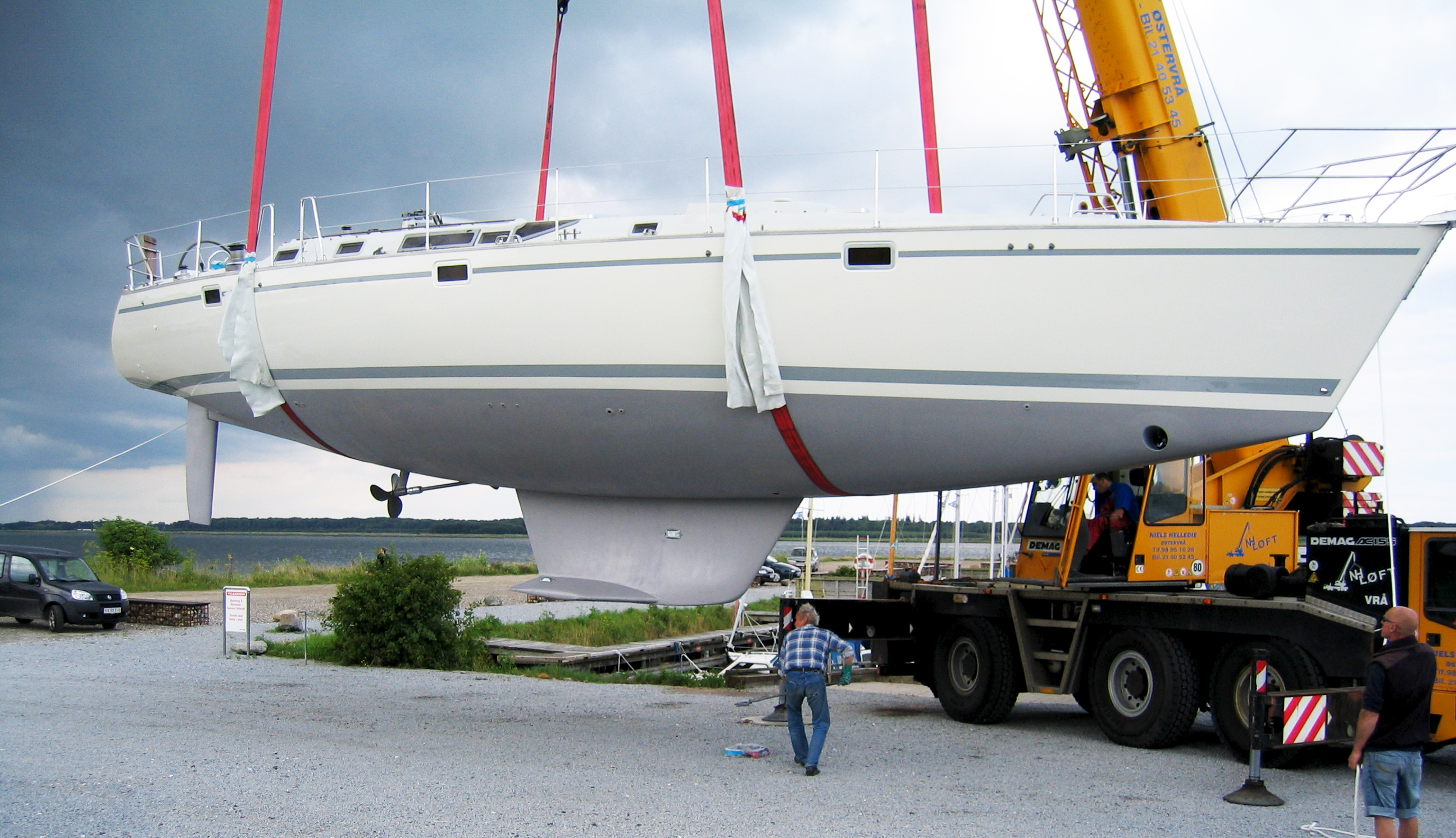 Bådopbevaring optagning af sejlbåd