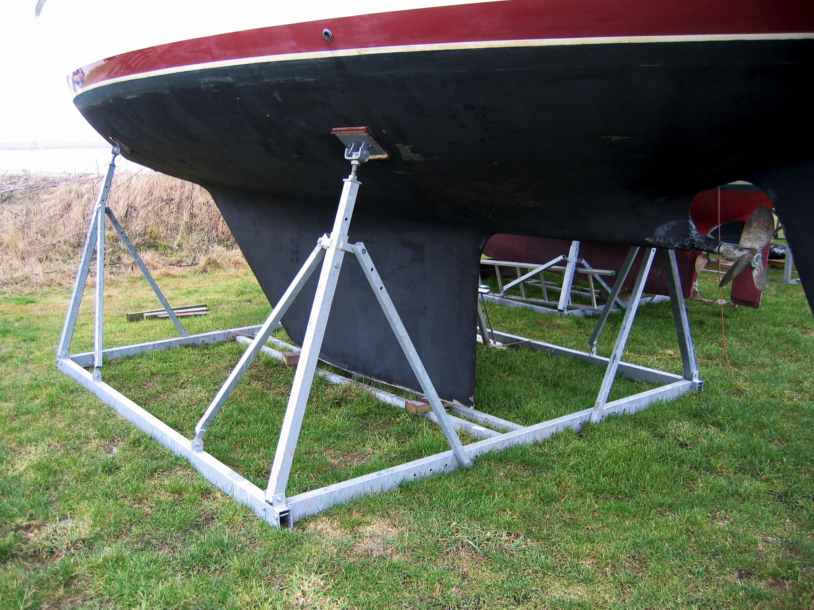 Alm. bådstativer sejlbåd 3