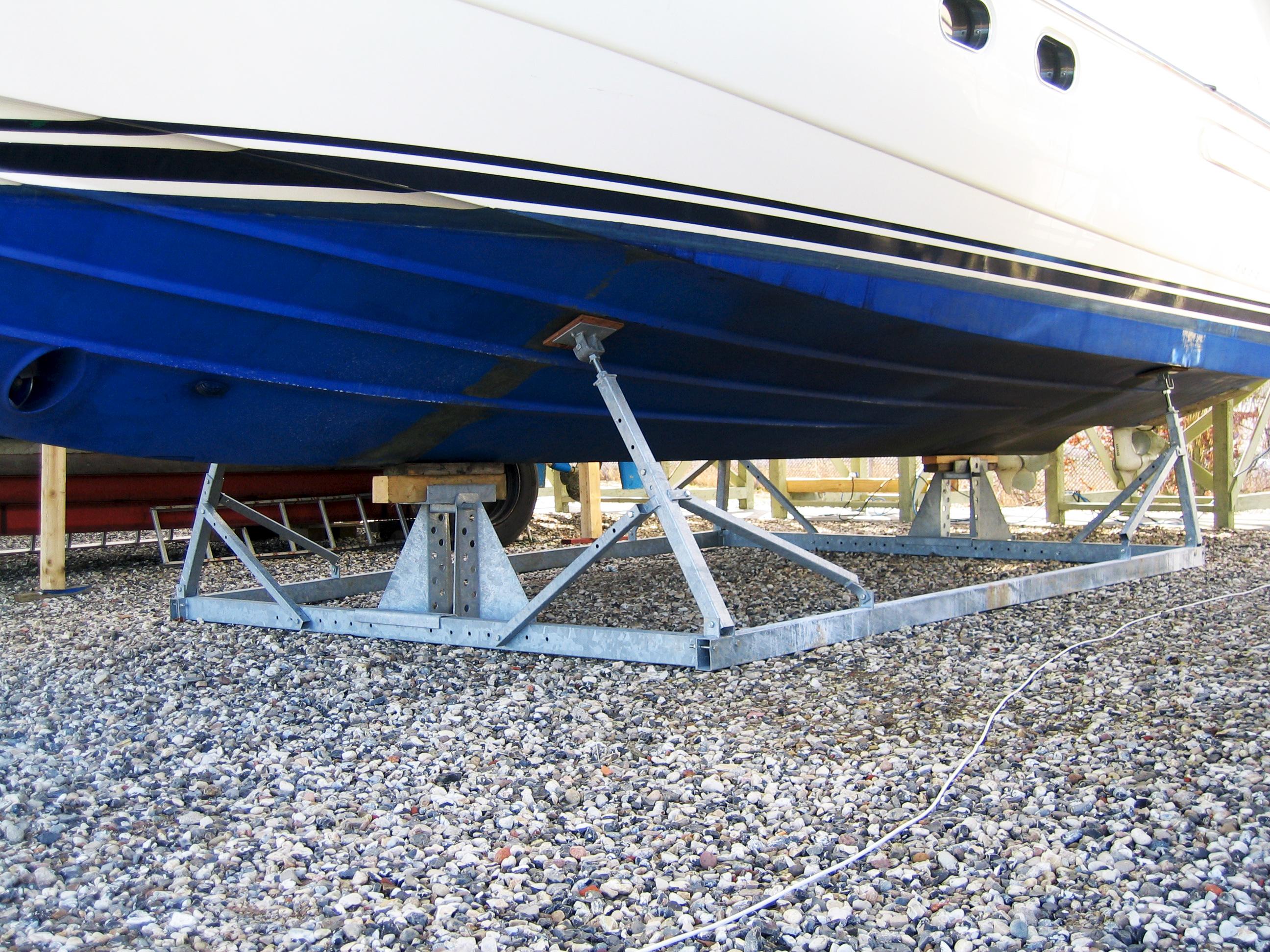 Alm. bådstativer motorbåd 2